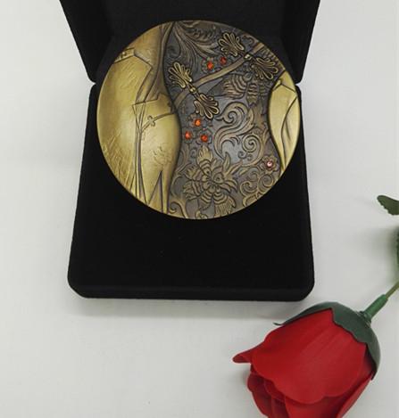 新品预定:中国服饰文化首枚铜章----旗袍