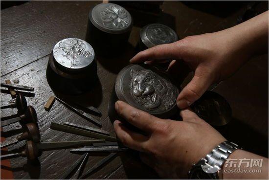 """揭秘上海造币的""""手雕""""绝技(组图)"""