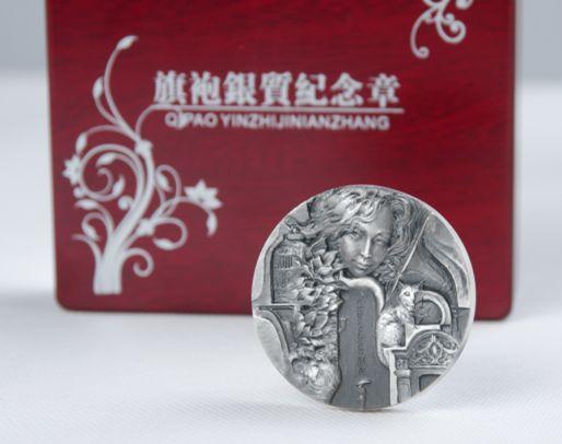 朱熙华新作---中国服饰文化系列首枚旗袍