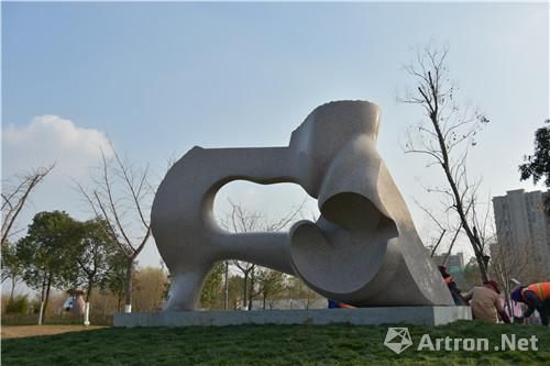 """第六届中国""""刘开渠奖""""国际雕塑大展 银奖作品"""