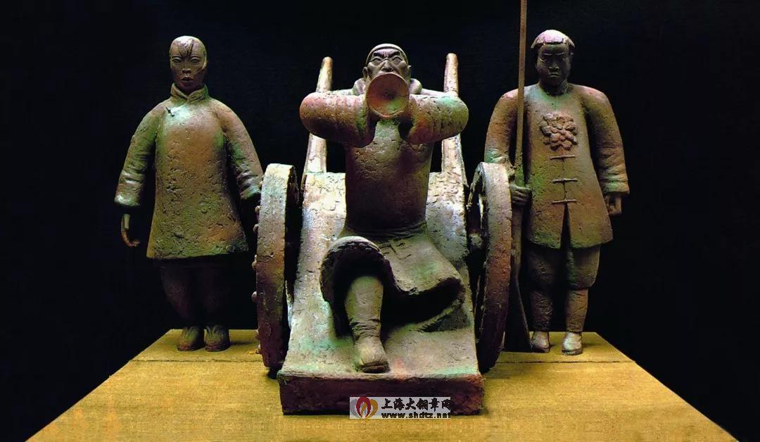 仇娃参军 / 杨奇瑞 /  135 × 160 × 150 cm / 铜 / 1990