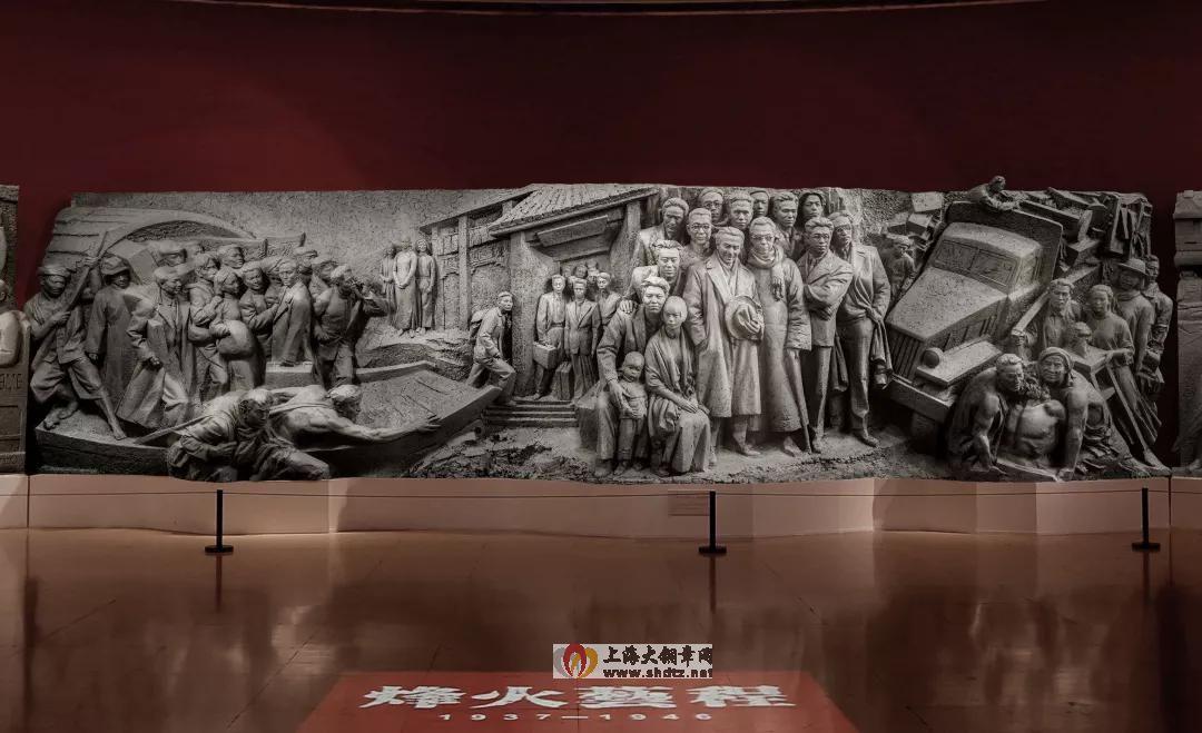 烽火艺程 / 中国美术学院雕塑与公共艺术学院教师集体创作 /  255 × 4500 cm / 玻璃钢 / 2018
